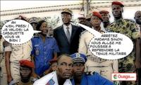 Photo de famille du chef de l'Etat avec des représentants des forces armées