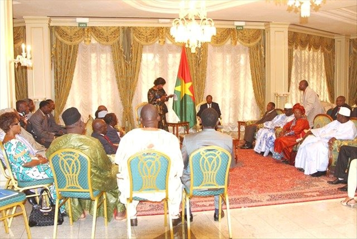 Le pr sident du faso blaise compaor re oit en audience for Chambre de commerce du burkina
