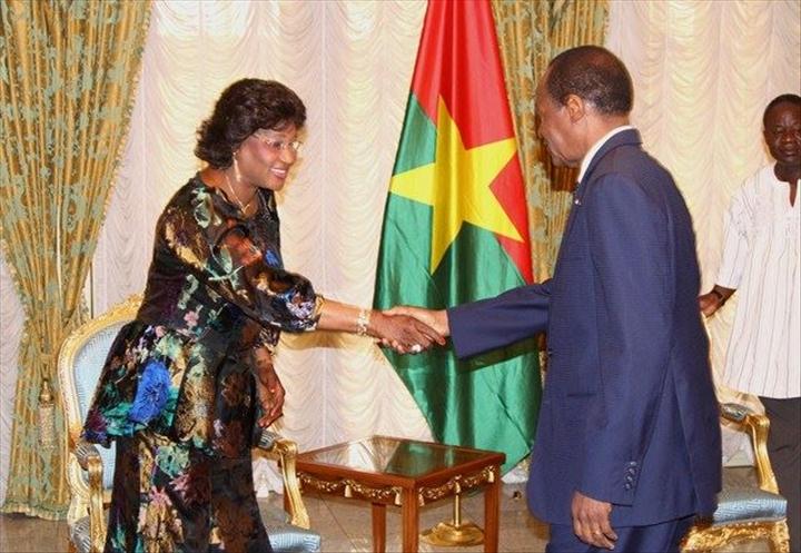 Le Prsident Du Faso Blaise Compaor Reoit En Audience Une